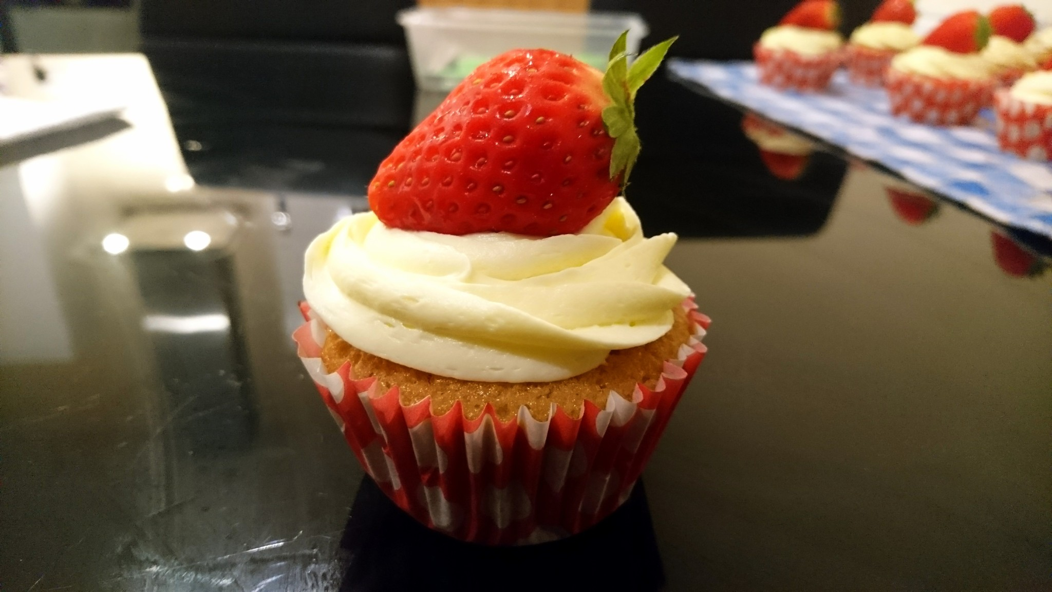 Strawberries and Cream Cupcakes (1)